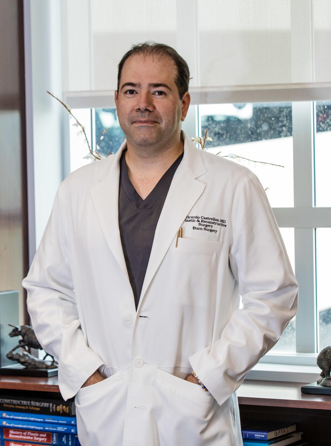Dr-Ricardo-Castrellon-Miami-Double-Board-Certified-Plastic-Surgeon