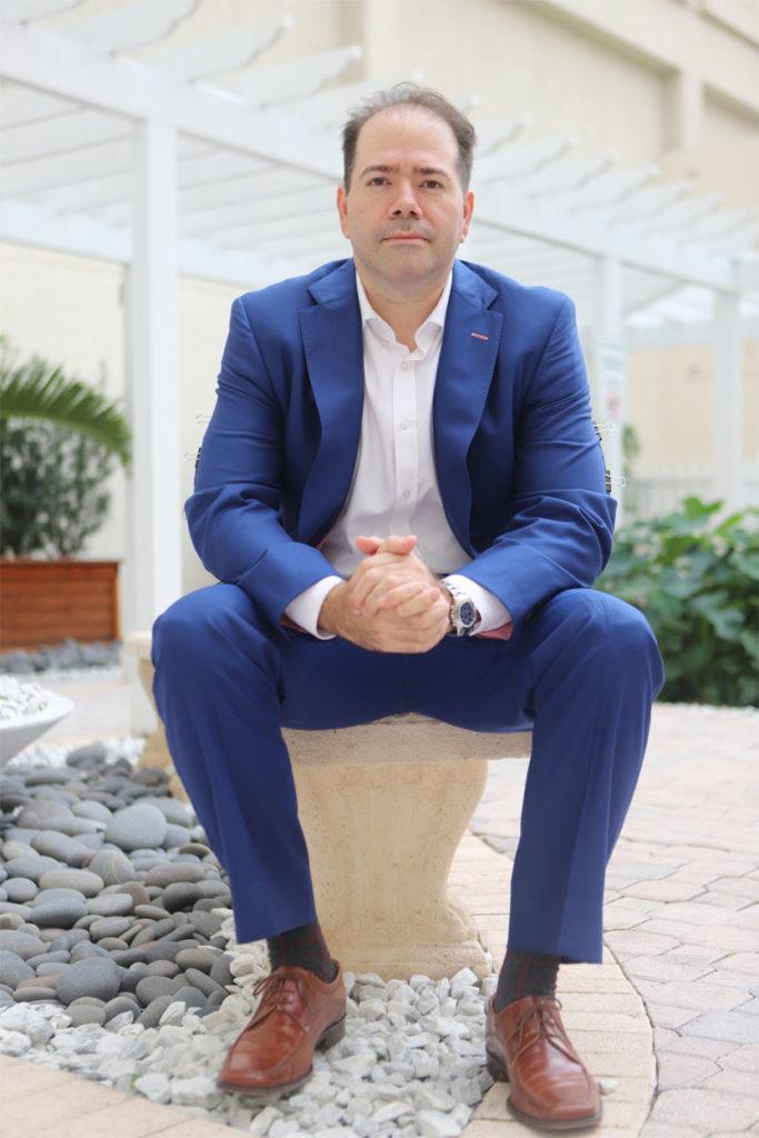 Dr-Castrellon-Surgeon-Miami-Florida-Surgeon